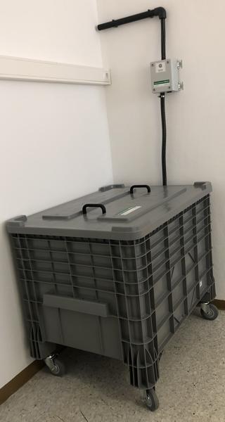 /Kunststoffcontainer mit Schadluftabsaugung in Kombination mit TG silent 300